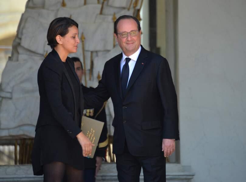 Najat Vallaud-Belkacem et François Hollande, le jour du dernier conseil des ministres de la présidence de François Hollande, au palais de l'Elysée, le 10 mai 2017.
