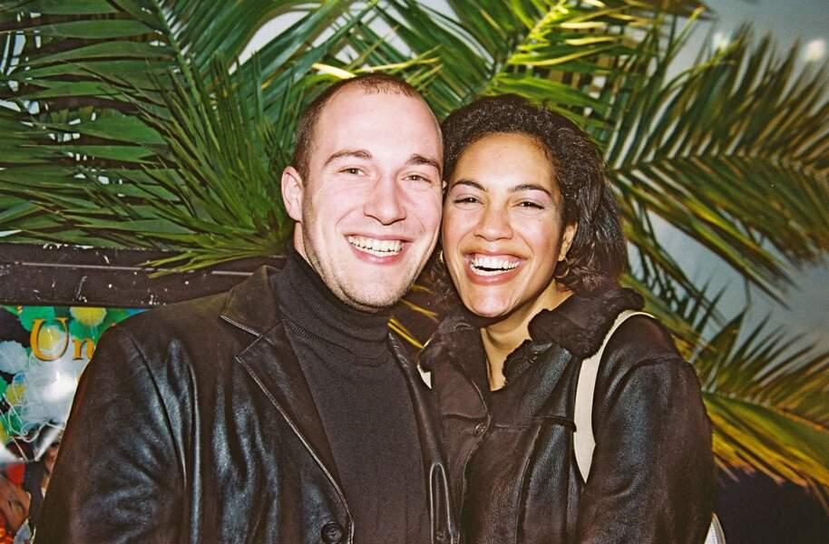 """Christophe Mercy et Julie Bouville ont tous les deux 24 ans lorsqu'ils font partie des candidats de """"Loft Story"""". Arrivés célibataires, ils repartent en couple."""