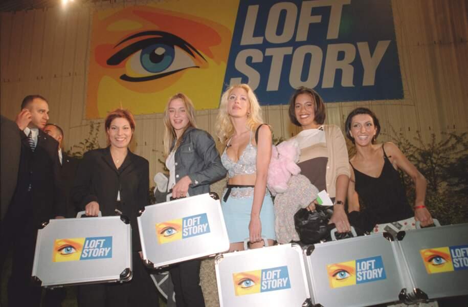 Kenza, Delphine, Loana, Julie, Laure et Kimy (arrivée plus tard dans le jeu) : ces six femmes ont tenté une expérience inédite en 2001. Vingt ans après, que sont-elles devenues ?