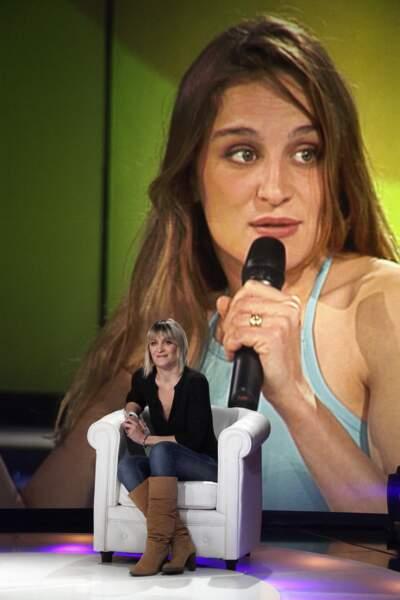 """Delphine Castex a participé à """"Loft Story"""" à l'âge de 22 ans. Elle quitte le jeu au bout de deux semaines, pour raisons médicales."""