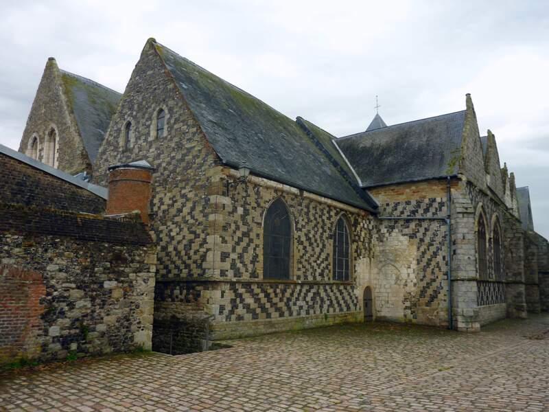 La très ancienne église Saint-Martin de Saint-Valéry-sur-Somme