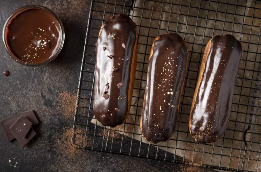 Éclairs au chocolat : la délicieuse recette de Cyril Lignac