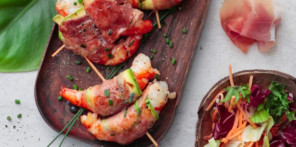 Brochettes de crevettes et de jambon de Parme