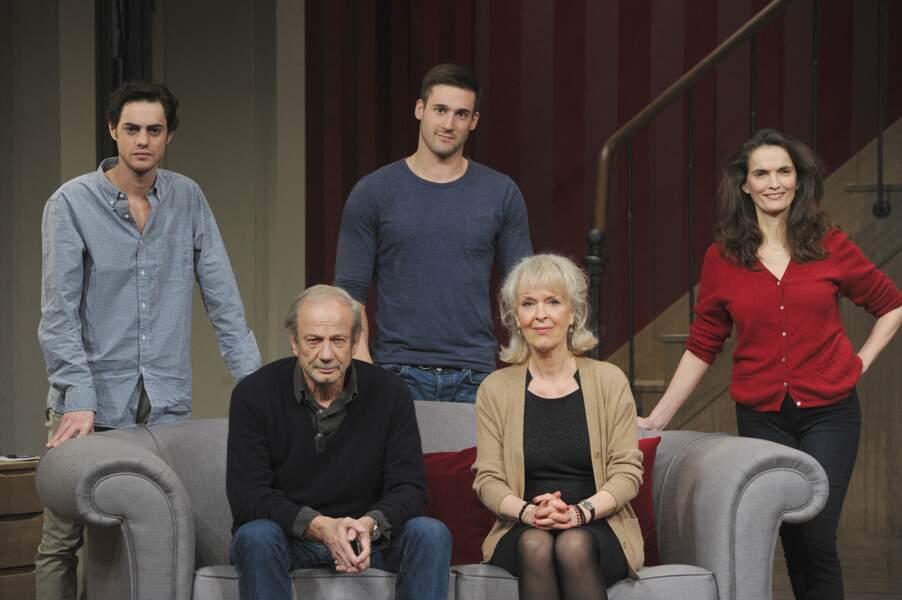 """... était """"Une famille modèle"""" (2016) avec Patrick Chesnais, Evelyne Buyle, Véronique Boulanger et Arthur Fenwick, au théâtre Montparnasse, à Paris."""
