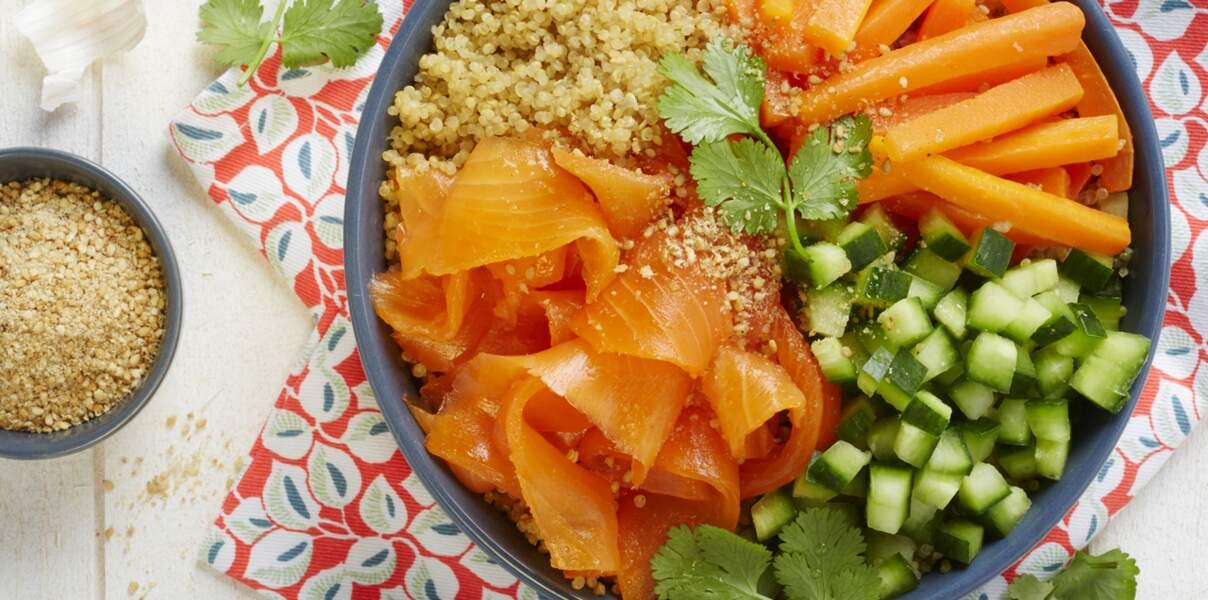 Salade fraîcheur façon poke bowl à la truite fumée