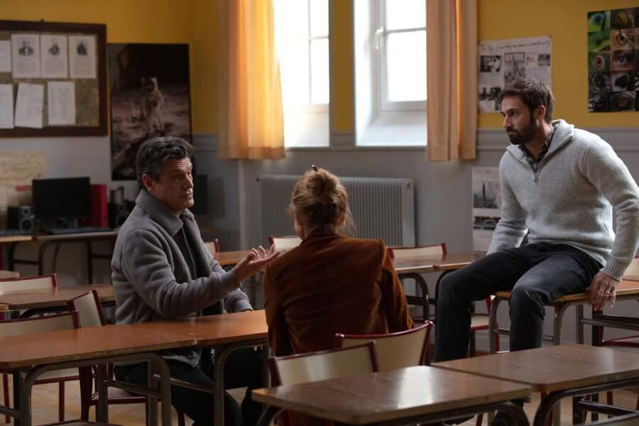 Guillaume Labbé joue ce professeur qui tente de dialoguer avec les élèves mais aussi avec leurs parents dont l'un d'eux est joué par Marc Lavoine.