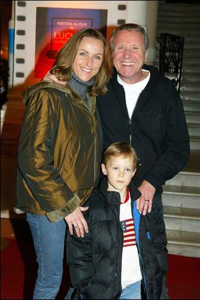 Le couple Rénier avec leur fils Jules au festival du film international de télévision de Luchon, en février 2004.