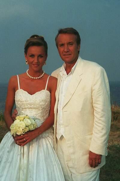 """... avant le mariage à Saint-Tropez, le 20 juillet 1996. Karine Rénier est à la tête de """"Victoria"""", une agence de communication spécialisée dans la télévision."""