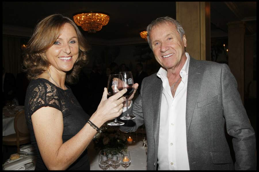 """Yves et Karin Rénier à la remise des prix """"Les trois coups de l'Angelus"""", dans les salons de l'hôtel Bristol, à Paris, le 19 mars 2012."""