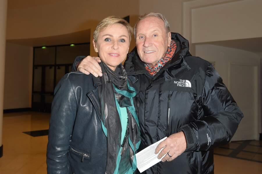 """Yves Rénier et sa femme Karin à la générale du 5ème woman show """"N°5 de Chollet"""" de Christelle Chollet, à la Salle Pleyel à Paris, le 17 janvier 2019."""