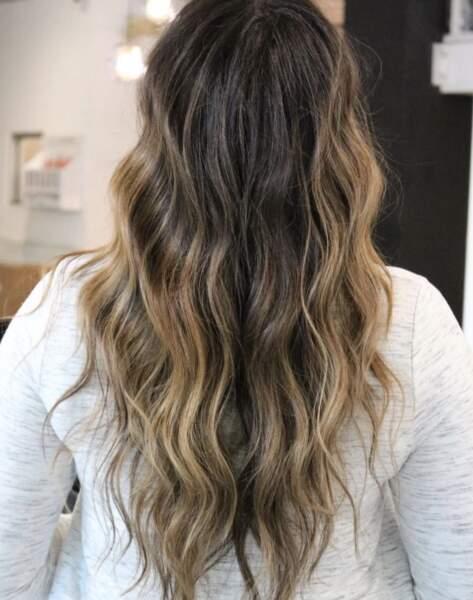 Wavy hair tie and dye