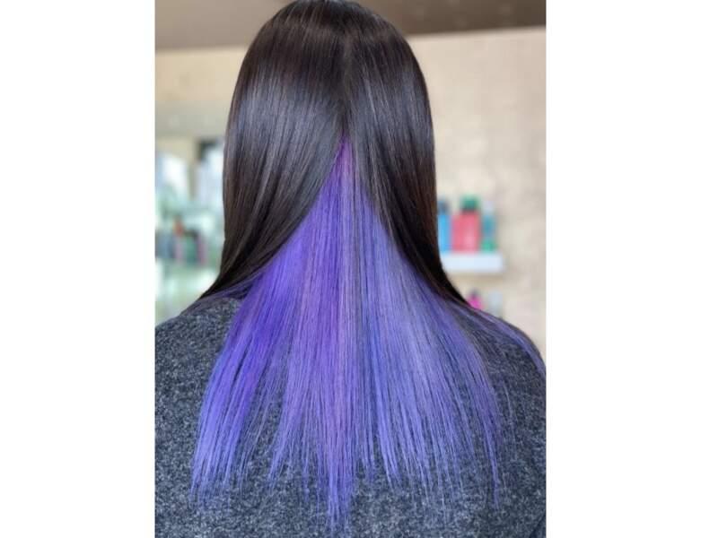 Cheveux violets dissimulés