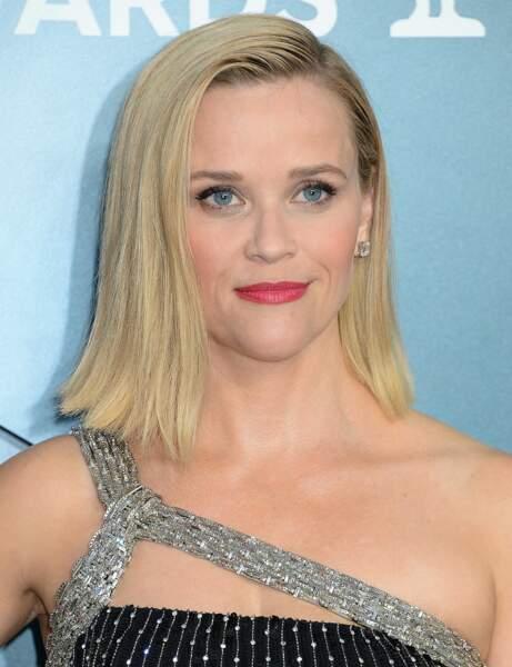 Le carré long lissé de Reese Witherspoon
