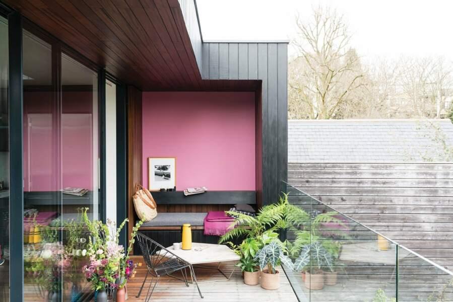 Balcon coloré pour se détendre - Fermob