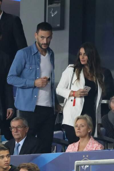 Marine et Hugo Lloris se marient en 2012, à Nice. Ils s'installent au gré des clubs du gardien de but, à Lyon, puis à Londres.
