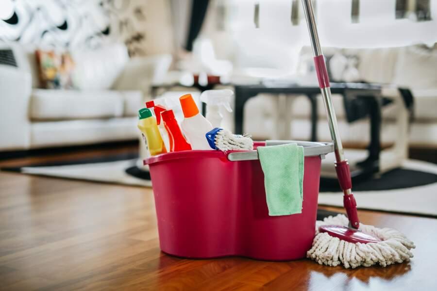 Carrelage, parquet, moquette : que dois-je utiliser pour bien nettoyer mes sols ?