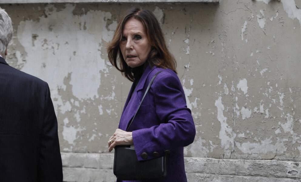 Denise Fabre à la sortie des obsèques de la journaliste Jacqueline Caurat