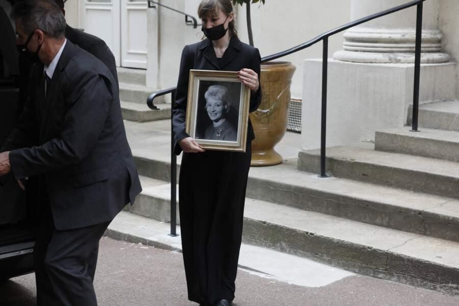 Obsèques de Jacqueline Caurat : Evelyne Dhéliat, Olivier Minne, Denise Fabre... réunis pour dire au revoir à leur amie