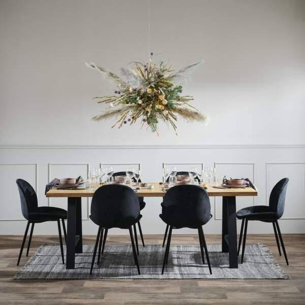 Salle à manger à la déco florale - Casa