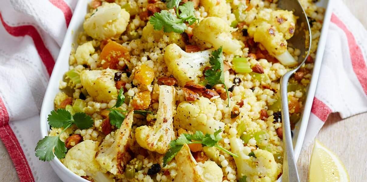 Salade de pâtes perles et chou-fleur rôti, sauce à la crème de sésame