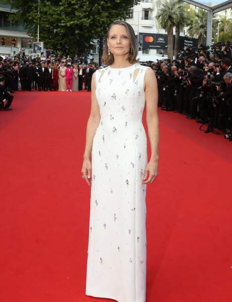 "Cannes 2021 : Jodie Foster en robe ""cut out"""