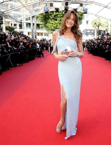Cannes 2021 : Carla Bruni en vamp'