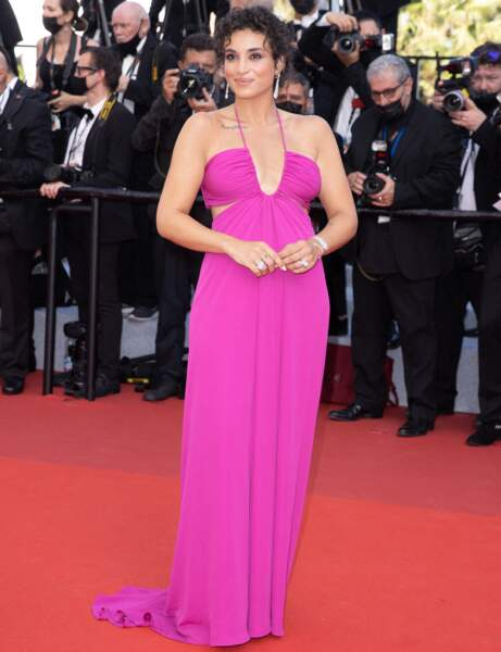Cannes 2021 : Camélia Jordana en fuchsia