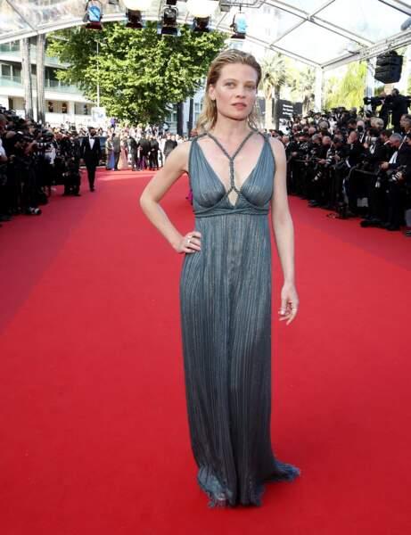 Cannes 2021 : Mélanie Thierry en naïade sexy