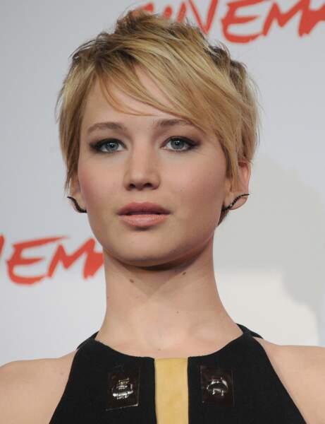La coupe courte asymétrique de Jennifer Lawrence