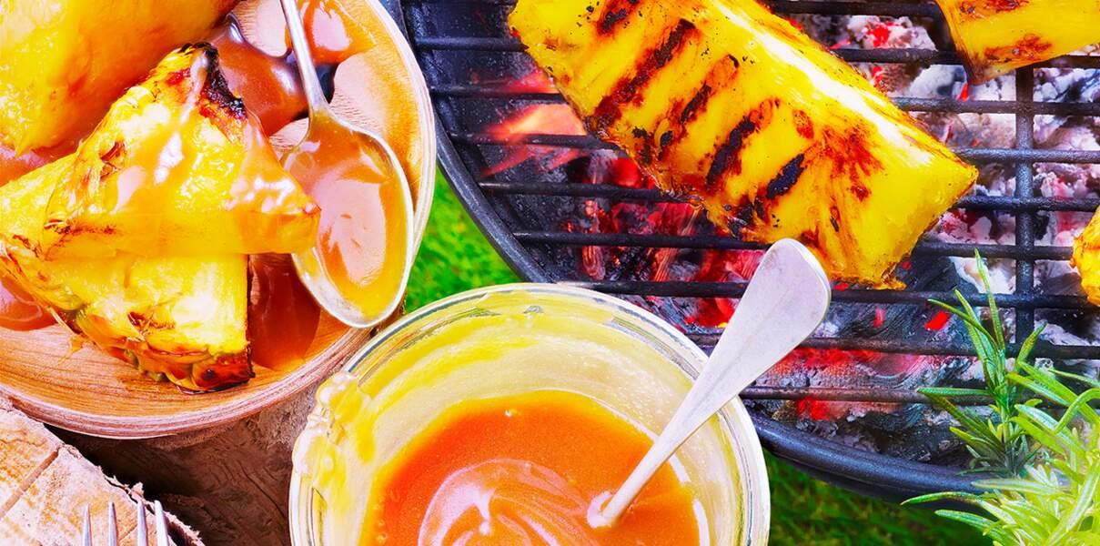Ananas grillé et sauce crémeuse caramélisée