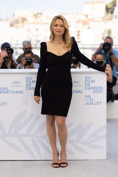 Cannes 2021 : Virginie Efira en robe décolleté coeur