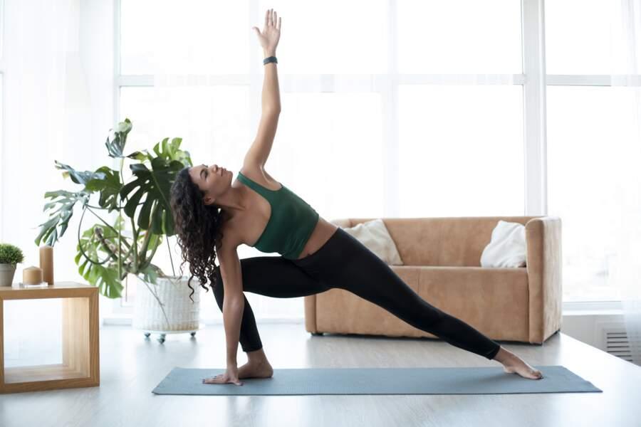 Une séance de Ashtanga pour découvrir les bienfaits de ce yoga dynamique