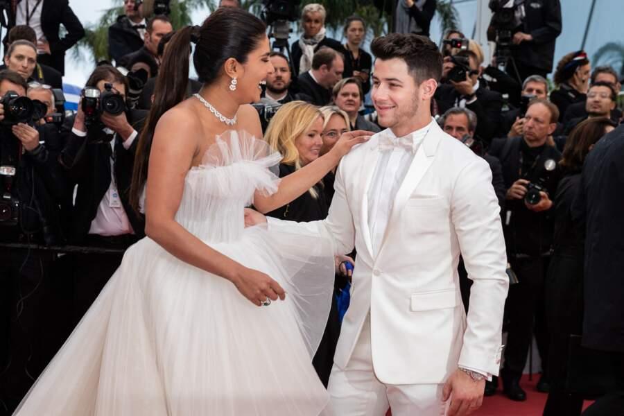 """... à la montée des marches du film """"Les plus belles années d'une vie"""", lors du 72e Festival International du Film de Cannes, le 18 mai 2019."""