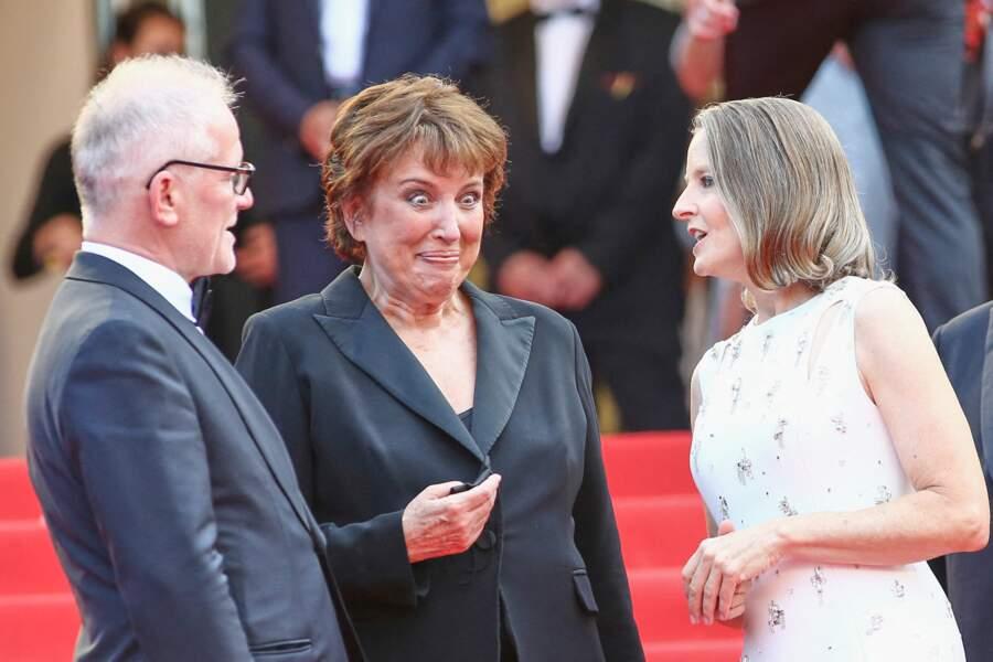 """Thierry Frémaux, Roselyne Bachelot et Jodie Foster lors de la montée des marches du film """"Annette"""""""