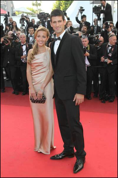 """... à la montée des marches du film """"The Beaver"""", à Cannes, le 18 mai 2011."""