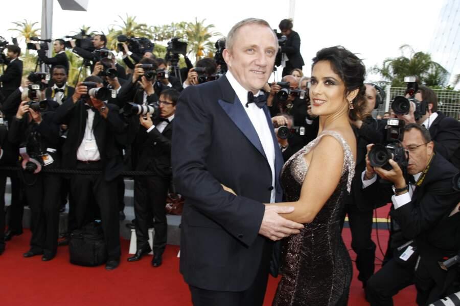 """Salma Hayek et son mari François-Henri Pinault, sur le tapis rouge de Cannes, pour le film """"Madagascar III"""", le 18 mai 2012."""