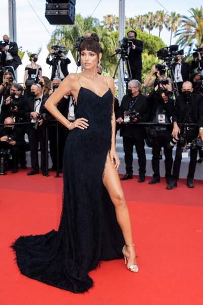 Cannes 2021 : Sofia Resing en robe nuisette