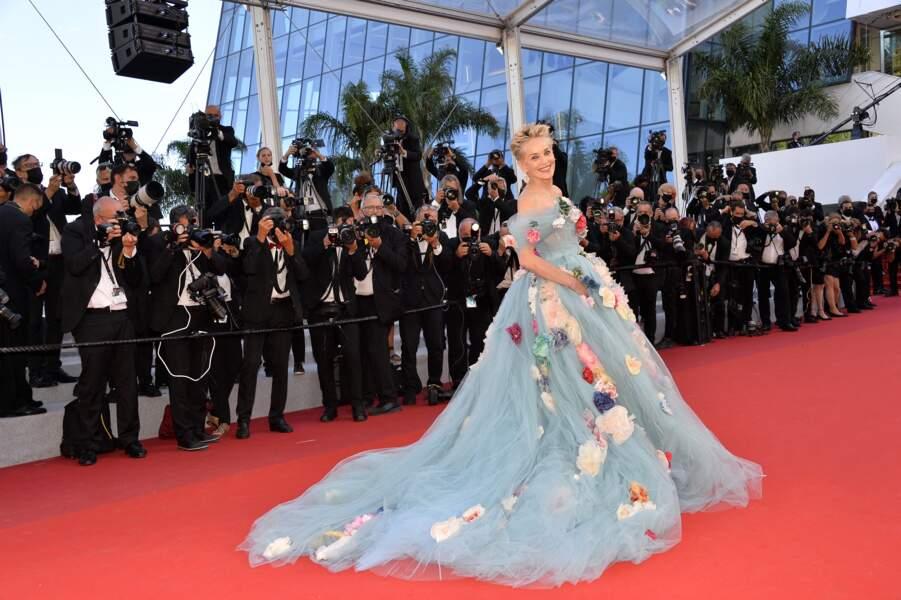 Sharon Stone en robe de princesse