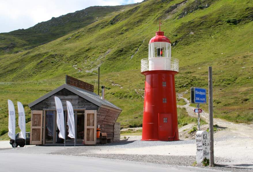 Le phare au col d'Oberalp marque la source du Rhin