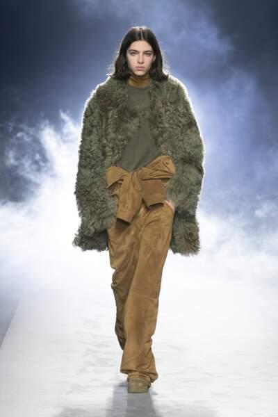 Tendances mode automne-hiver 2021-2022 : la (fausse) fourrure