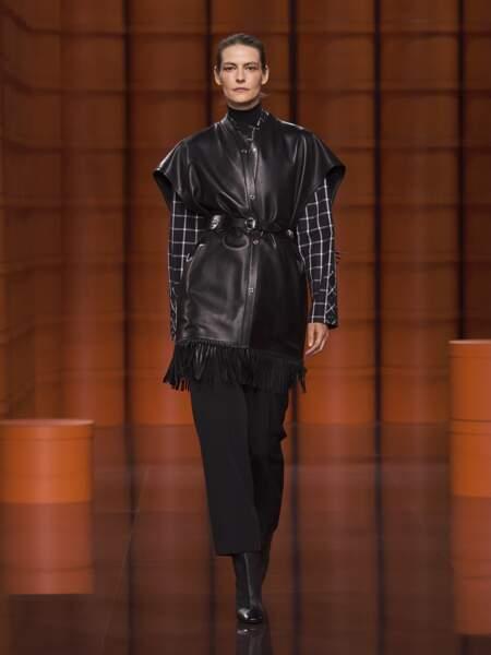 Tendances mode automne-hiver 2021-2022 : le cuir