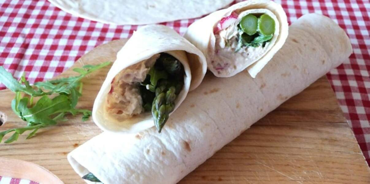 Wrap gourmand au thon et asperges vertes