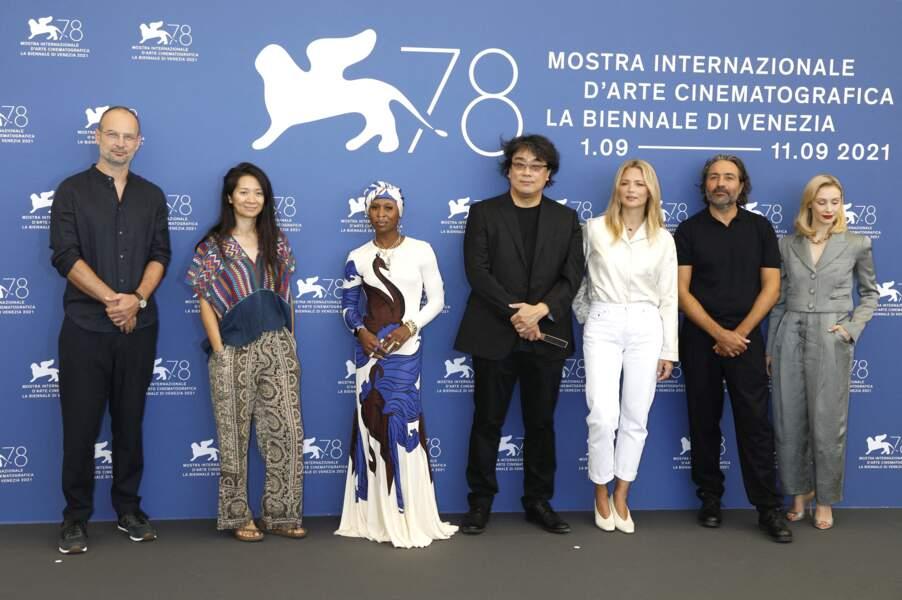 Virginie Efira à la Mostra : look immaculé pour le photocall du jury