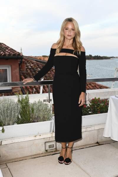 """Virginie Efira à la Mostra : une soirée en mode """"cut out"""""""