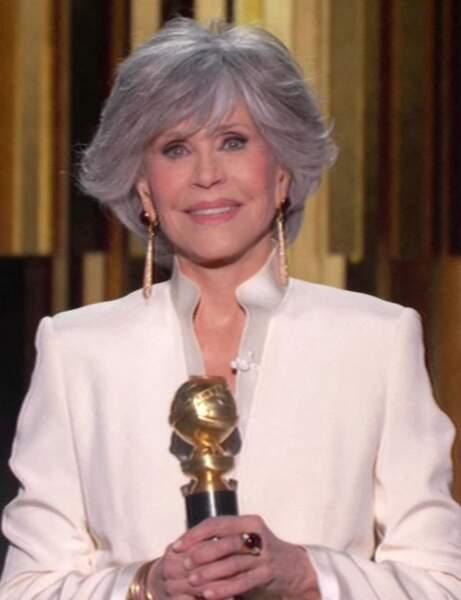 Jane Fonda avec les cheveux gris