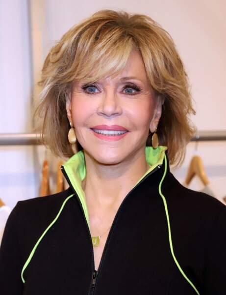 Jane Fonda avec les cheveux colorés