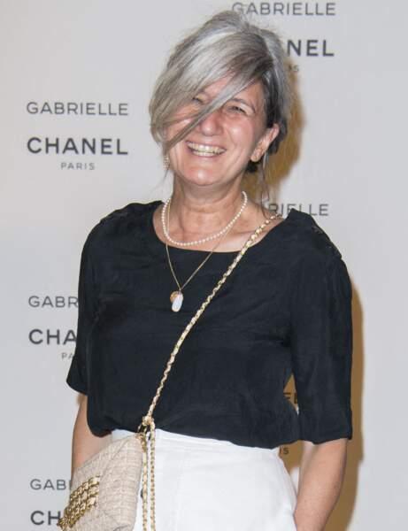 Sophie Fontanel avec les cheveux gris