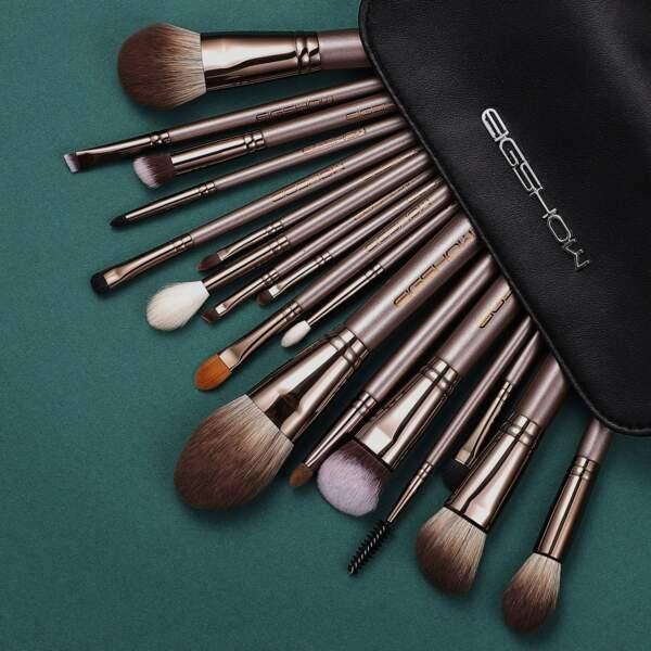 10 pinceaux indispensables pour un maquillage parfait