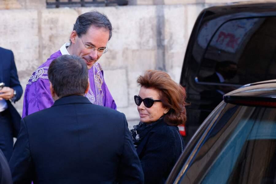 Line Renaud, Michel Drucker, Nicolas Sarkozy… les stars réunies pour rendre hommage à Bernard Tapie