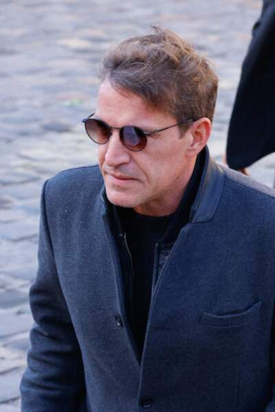 Arrivée de Benjamin Castaldi à la messe funéraire en hommage à Bernard Tapie